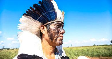 Cacique brésilien Ládio Veron, Guarani Kaiowá préoccupé par massacre de son peuple.